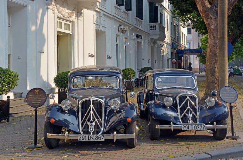 Tracción 15 Familiale de Citroen 1956 coches en Hanoi imágenes de archivo libres de regalías