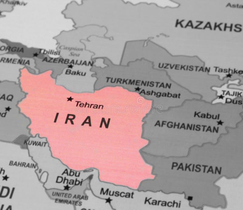 Tracci la vista dell'Iran su un globo geografico immagini stock libere da diritti