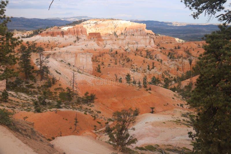 Traccia Bryce Canyon del giardino del Queens dei paesaggi della duna di sabbia immagini stock libere da diritti