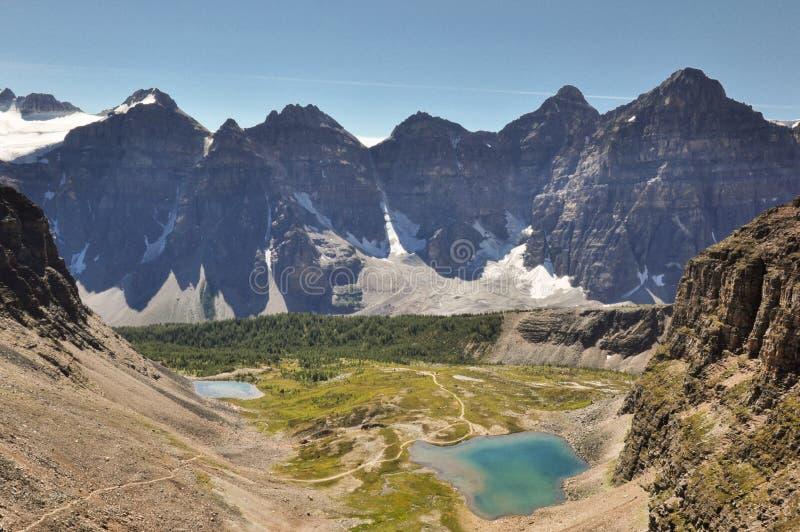 Traccia del passaggio del tempio nel parco nazionale di Banff, Alberta, Canada immagine stock