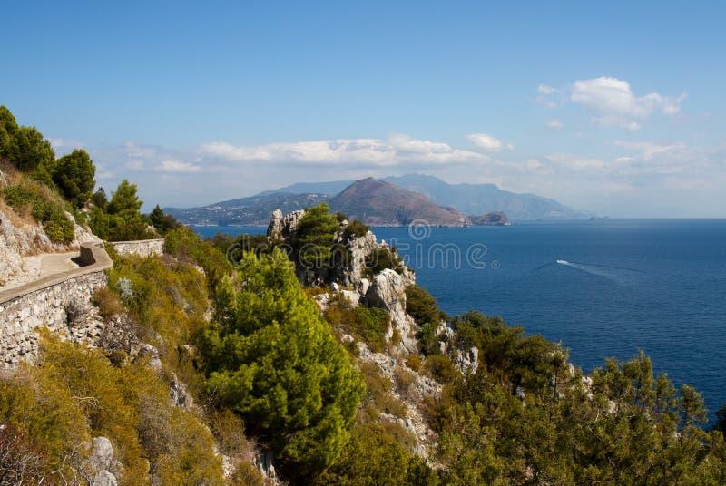 Traccia di escursione alla costa sud di Capri fotografia stock libera da diritti