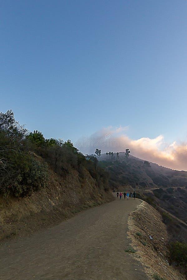 Traccia di escursione in Griffith Park all'alba immagini stock libere da diritti
