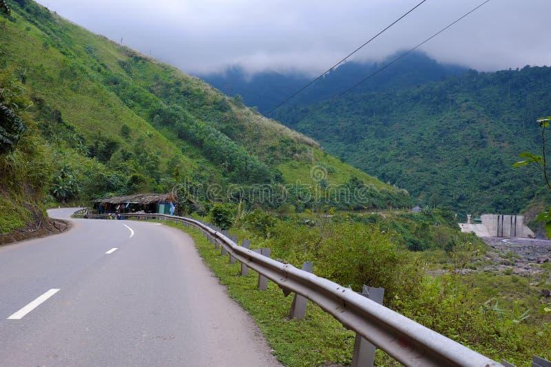Traccia di Ho Chi Minh, foresta, montagna, terreno fotografia stock libera da diritti