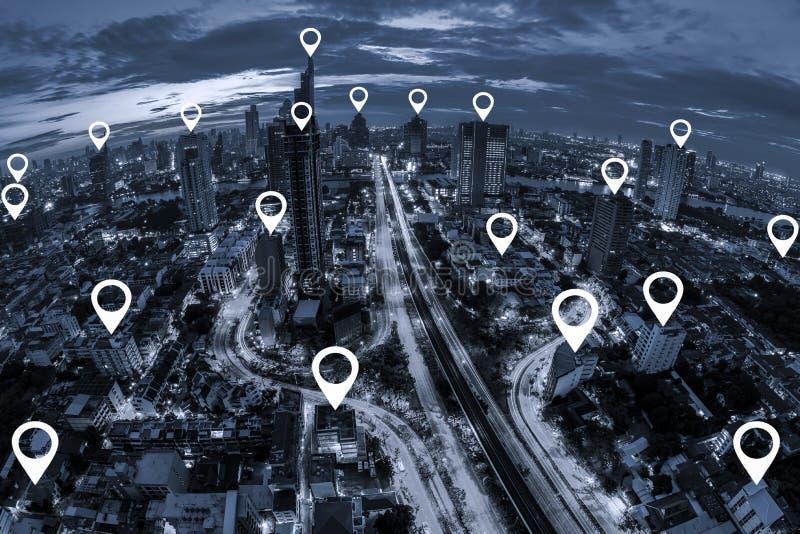 Trace o plano do pino na opinião aérea do tom azul do busin de Banguecoque da arquitetura da cidade fotografia de stock