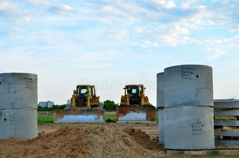 Track-Type Tractors, Bulldozer, Earth-Moving Heavy Equipment for Construction. Image stock image