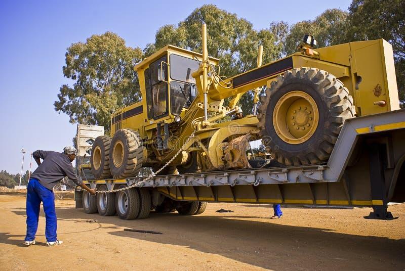 Tracteur à chenilles 140H enchaîné vers le bas image stock