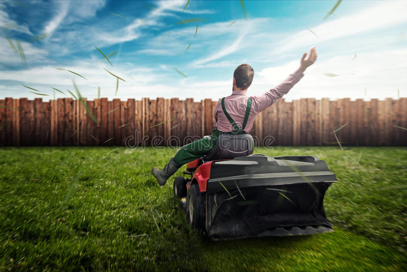 Tracteur de pelouse photos libres de droits