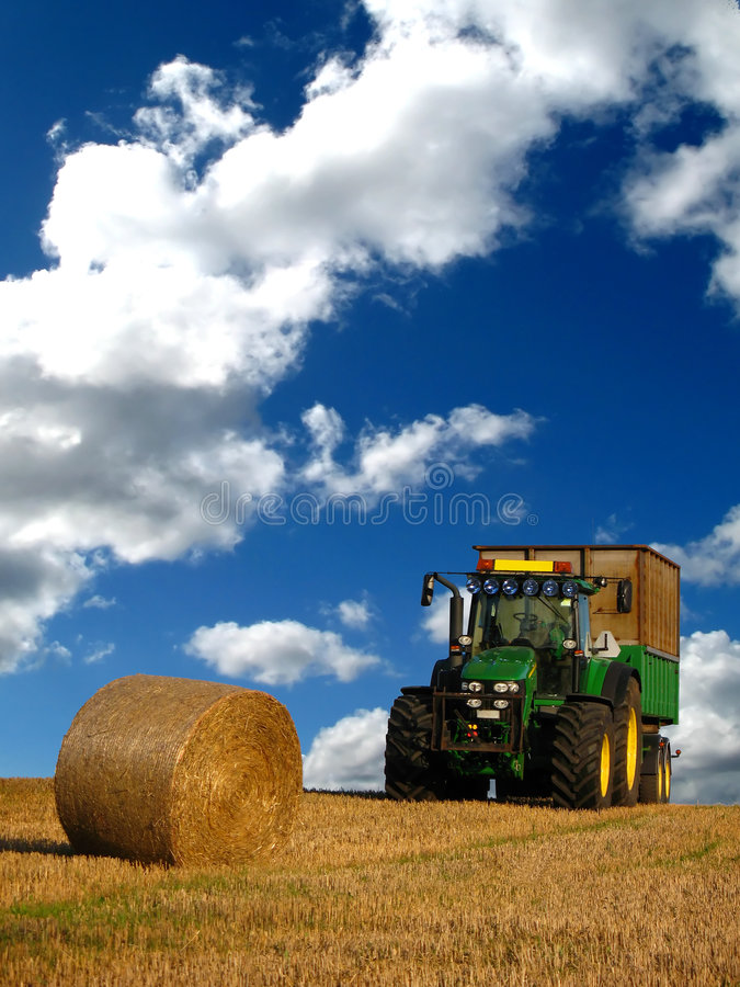Free Tractor Royalty Free Stock Photography - 3179517