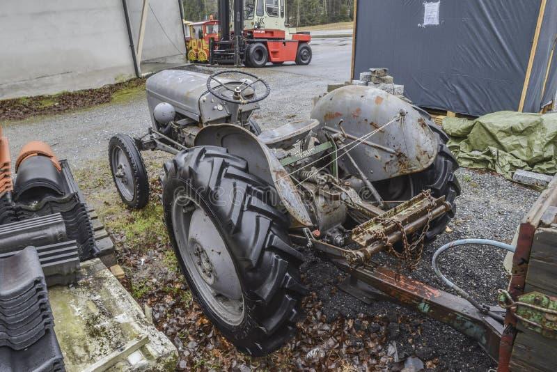 tractor 1947 de ferguson fotos de archivo
