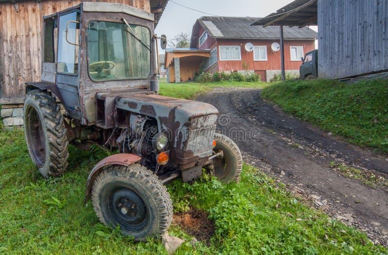 Tractor del país del vintage imagenes de archivo