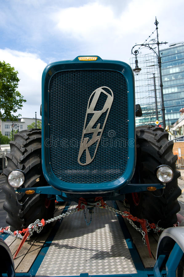 Download Tractor Dutra D4K The Trailer Editorial Stock Photo - Image of chain, exhibition: 22627733