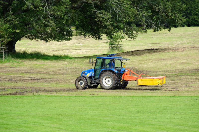 Download Tractor In A Fields Editorial Photo - Image: 23297351