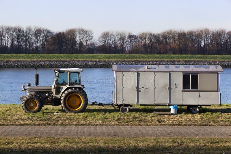 Tractor met cabine op wielen royalty-vrije stock fotografie