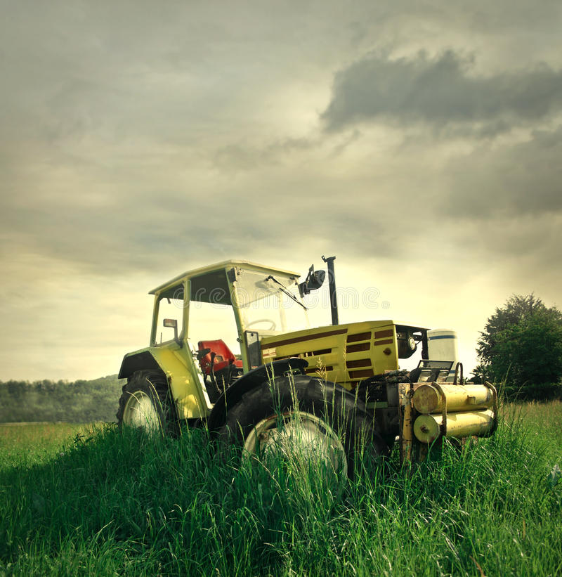 Download Tractor Royalty Free Stock Image - Image: 31804586