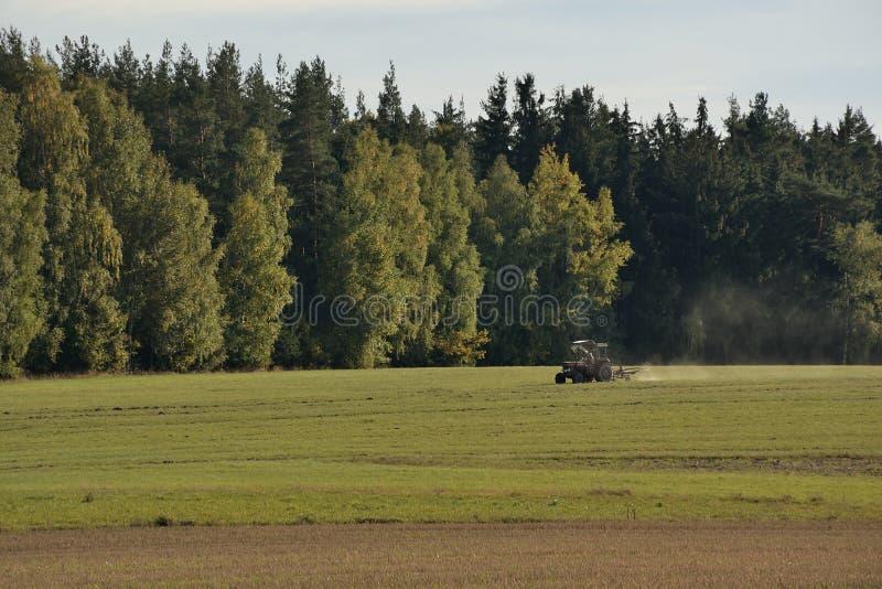 Tractor op Duits gebied dichtbij Schirnding-dorp binnen op 6 Oktober 2018 royalty-vrije stock fotografie