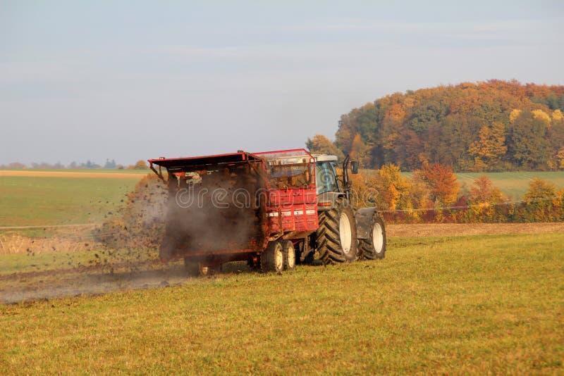 Tractor op het werk royalty-vrije stock afbeelding