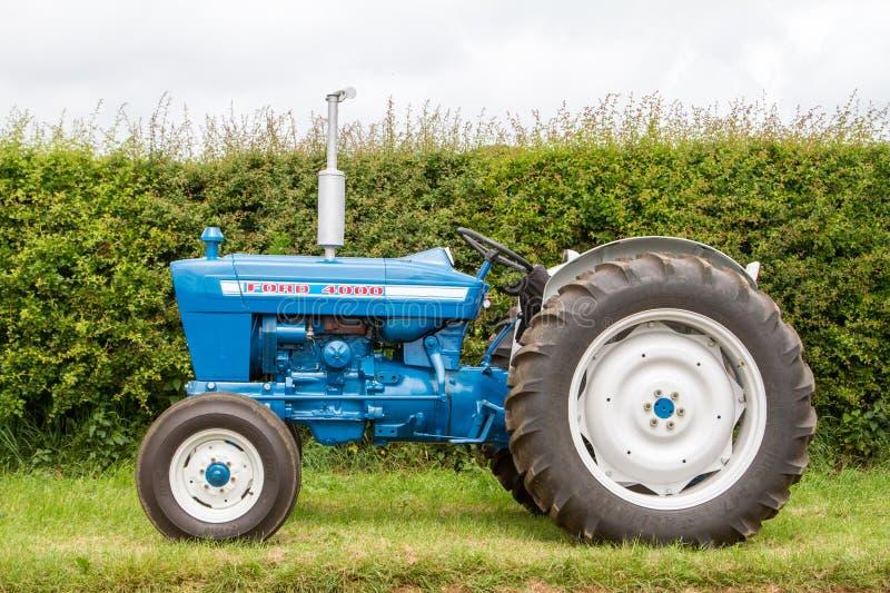 Tractor viejo del vado 4000 imágenes de archivo libres de regalías