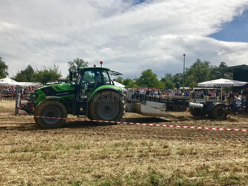 Tractor zwaargewicht trekken royalty-vrije stock foto's