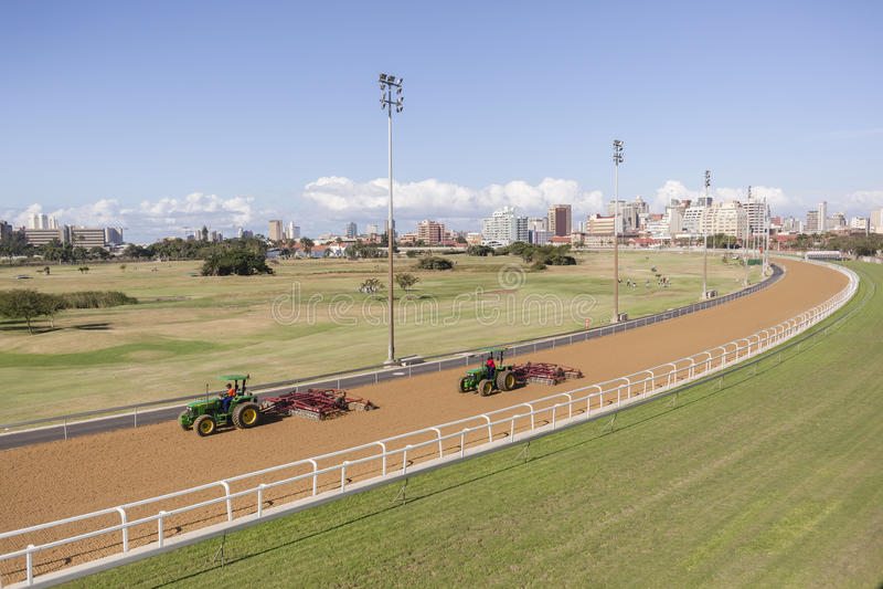 Tractores de las pistas de carrera de caballos fotos de archivo
