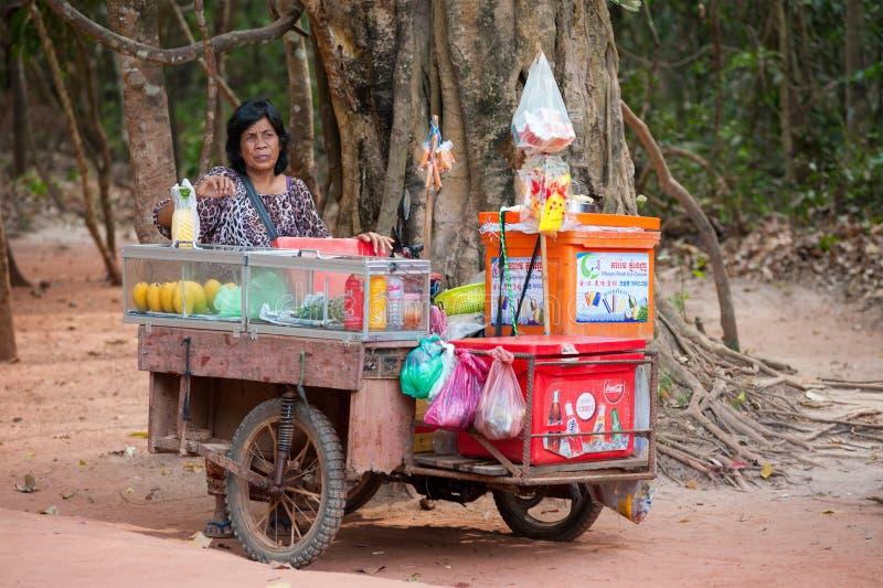 Tradeswoman przy Angkor, Kambodża fotografia stock