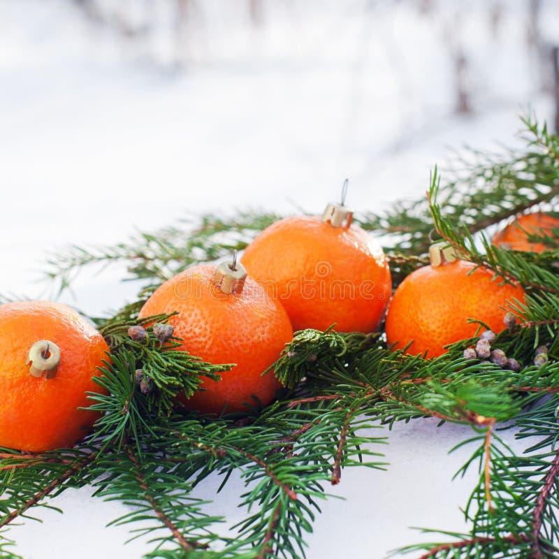 Tradição do russo para comer tangerinas no ano novo fotografia de stock