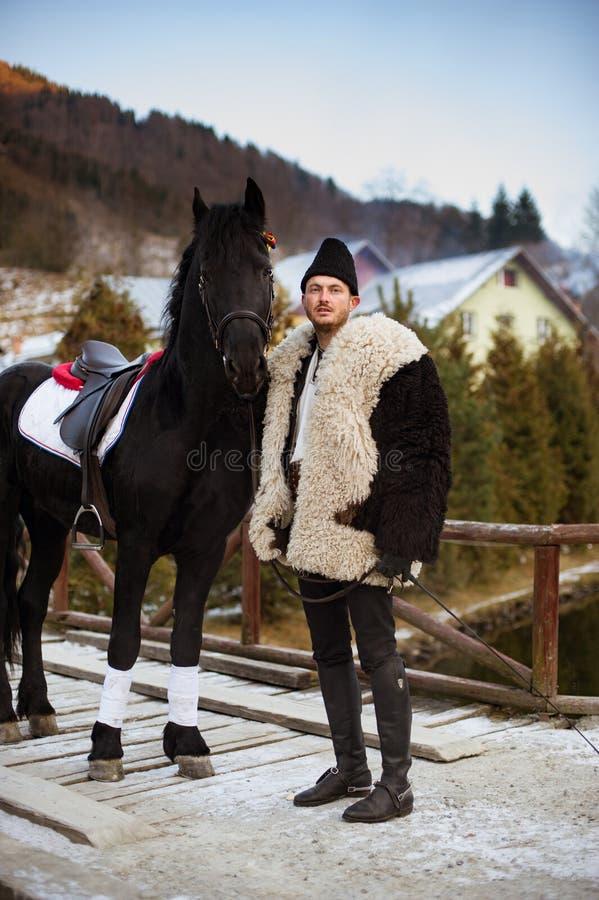 Tradición rumana en un día de invierno foto de archivo