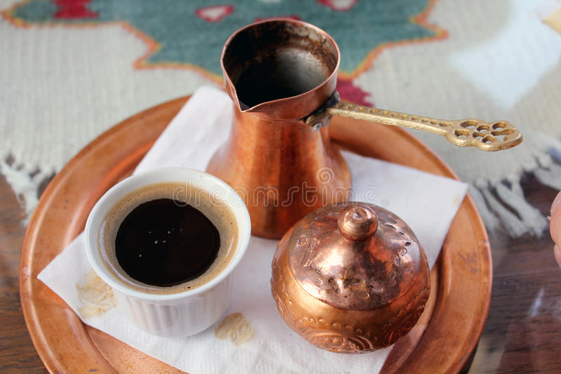 Tradicional Bosnische zwarte Turkse caffe royalty-vrije stock foto