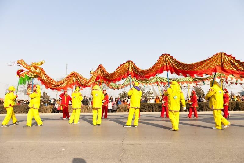 traditioal chiński dancingowy smok fotografia royalty free