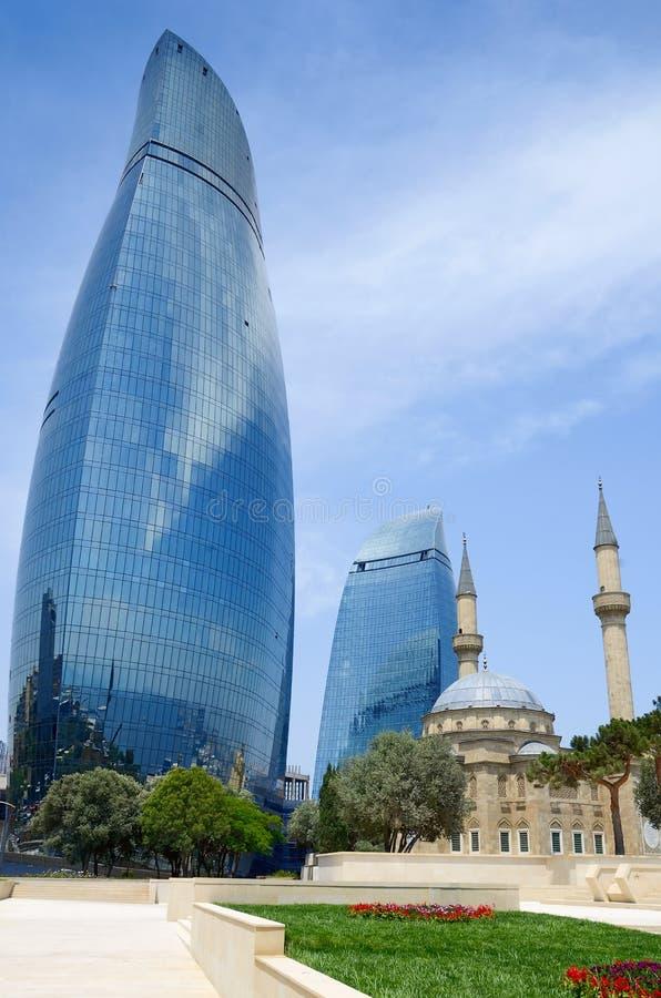 Tradition et modernité. Architecture de Bakou images libres de droits