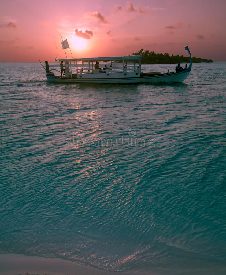 Free Traditional Boat And Ocean Sunset, Maldives Stock Photos - 20045843