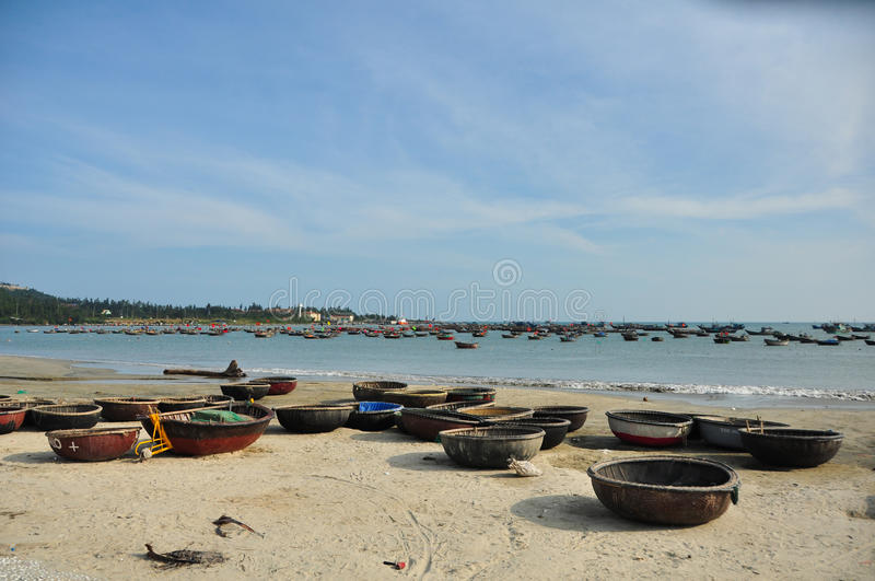 Download Traditional Boats In Vietnam Stock Image - Image: 25870327