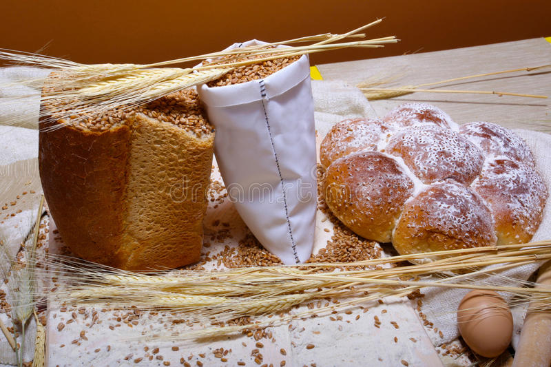 Download Traditional Bread Royalty Free Stock Photos - Image: 25345338