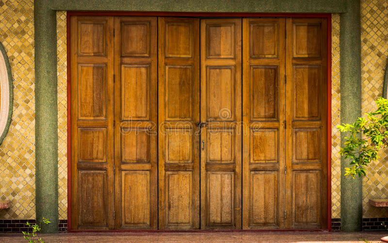 Traditional Chinese pattern in the old wooden door. stock images
