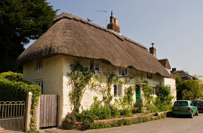 Download Traditional English Thatched Cottage Stock Photo - Image: 22844062