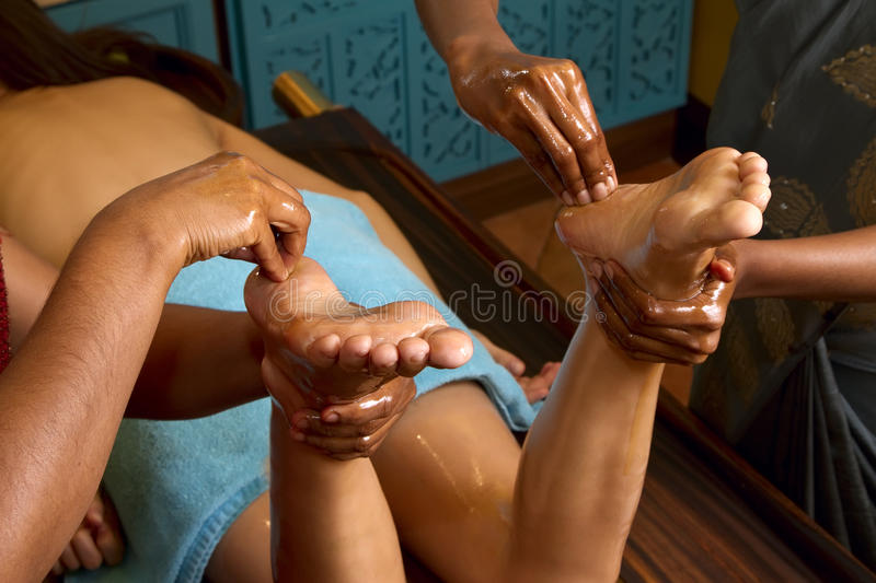 Download Traditional Indian Ayurvedic Oil Foot Massage Stock Image - Image: 20604677
