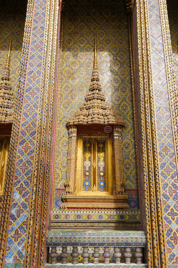 Download Traditional Thai Style Window And Decoration On The Wall Royalty Free Stock Photo - Image: 33044495