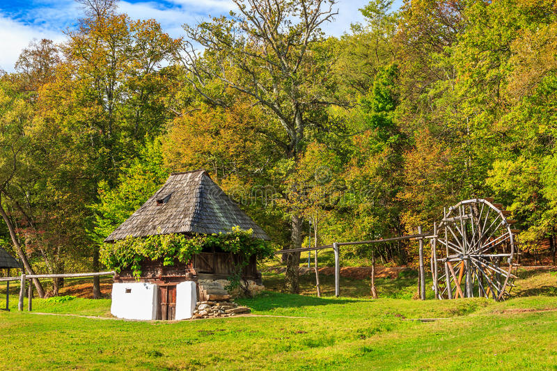 Traditioneel boerhuis, Astra Ethnographic-dorpsmuseum, Sibiu, Roemenië, Europa stock fotografie