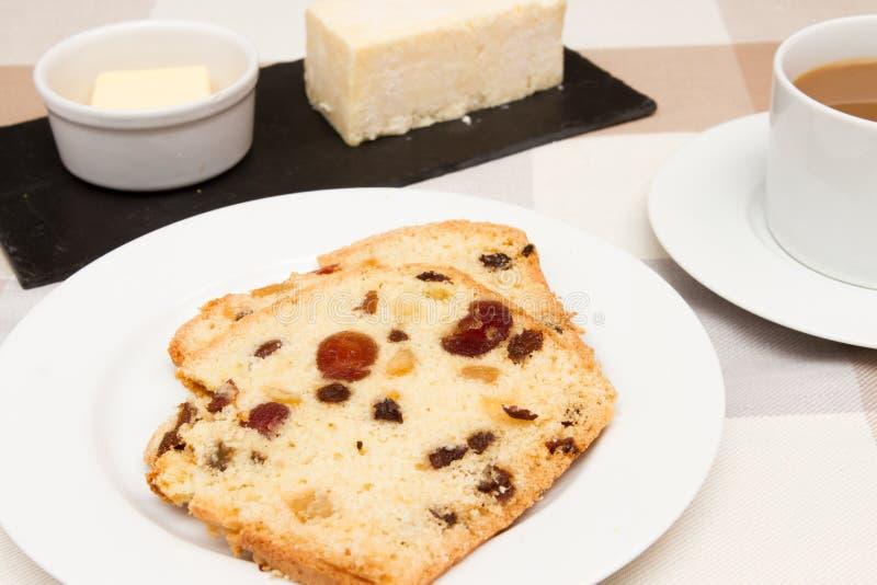 Traditioneel traditioneel Brits het fruitbrood van het fruitbrood A stock fotografie