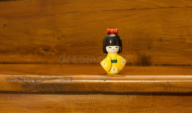 Traditioneel, geel, houten Japans stuk speelgoed royalty-vrije stock foto