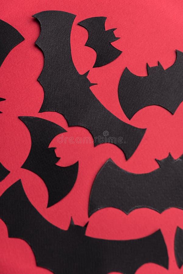 Traditioneel haloween symbolen op rode achtergrond voor embleem royalty-vrije stock foto