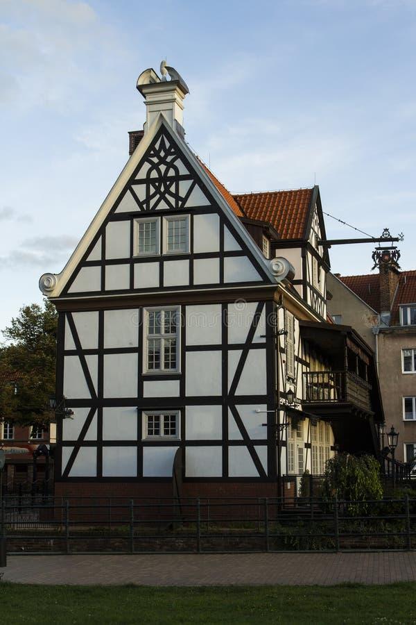 Traditioneel historisch poetsmiddel of Duits huis op de straat van Gdansk polen royalty-vrije stock afbeelding