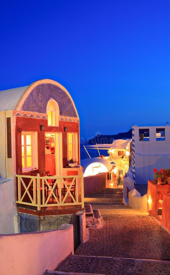 Traditioneel huis in Oia dorp op Santorini stock foto