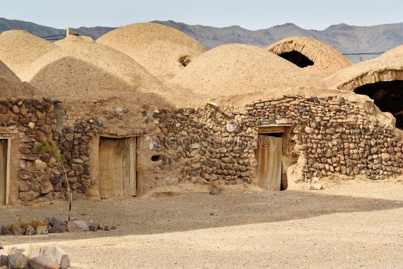 Traditioneel Iraans adobedorp in de provincie van Isphahan iran stock fotografie