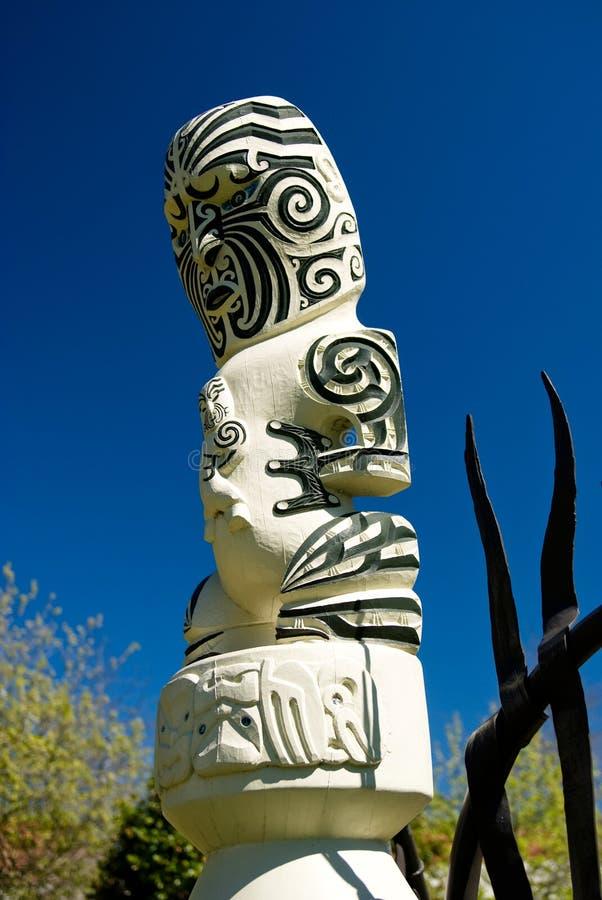 Traditioneel Maori Gesneden Cijfer stock foto's