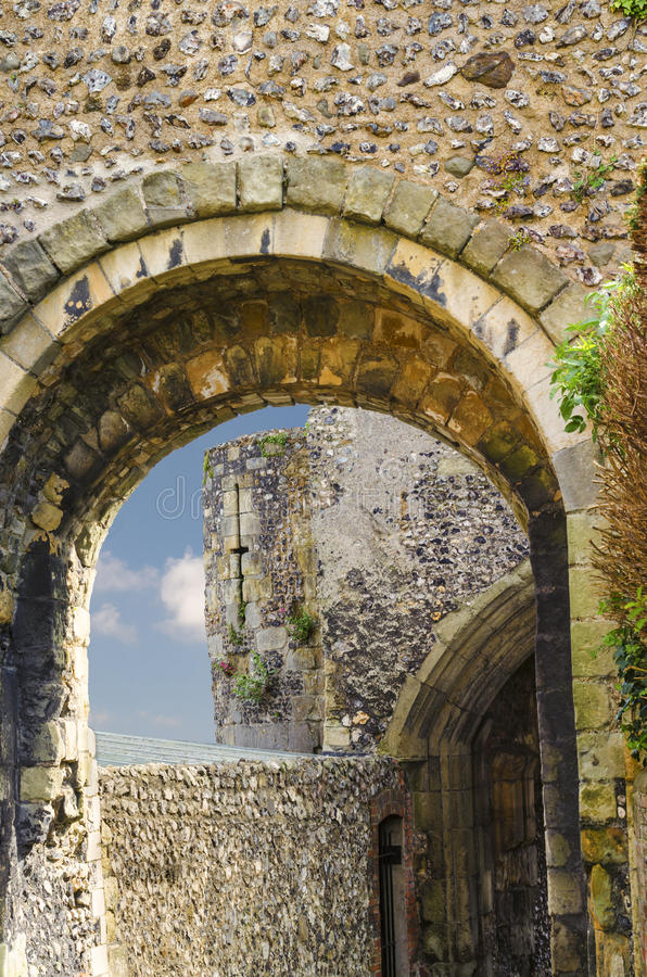 Traditioneel Norman English Castle in Lewes, Sussex stock foto's