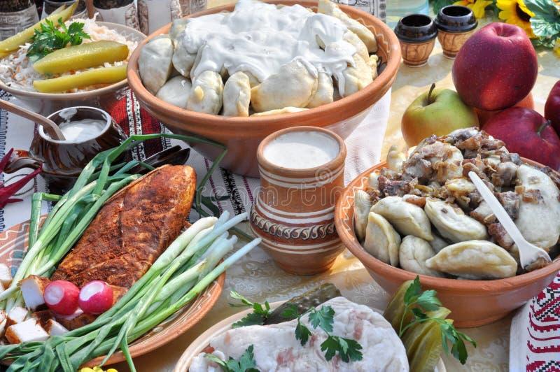Traditioneel Oekraïens voedsel in assortiment royalty-vrije stock foto's