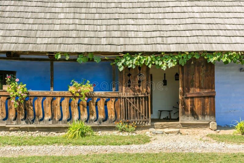 Traditioneel Roemeens Dorpshuis royalty-vrije stock fotografie
