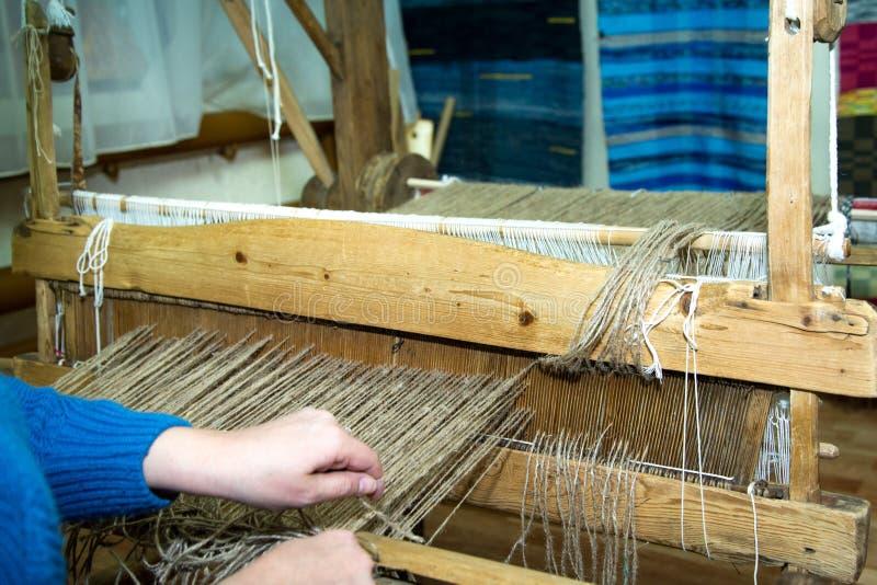 Traditioneel rustiek weefgetouw stock fotografie