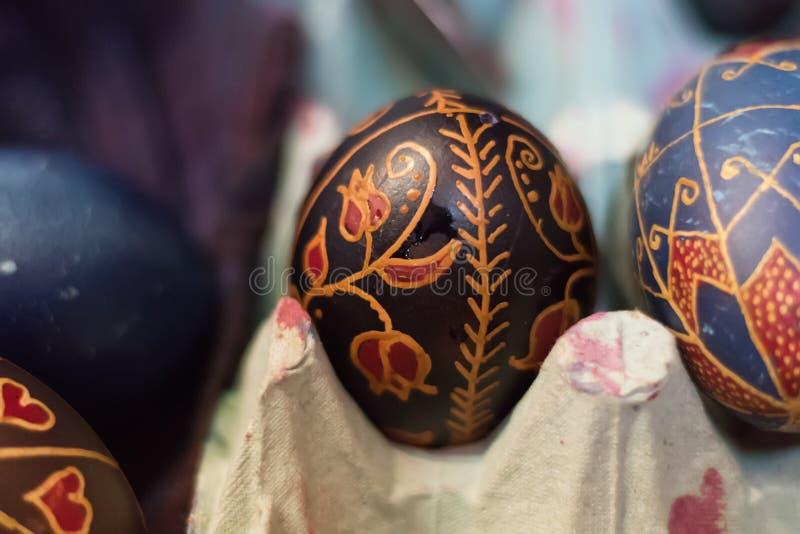 Traditioneel schrijvend paaseieren royalty-vrije stock foto