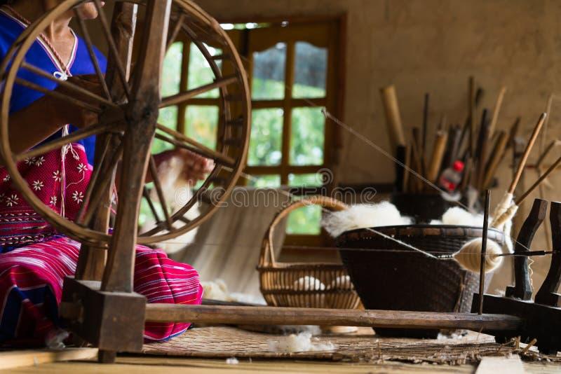 Traditioneel weefgetouw voor wolkleren Zachte nadruk royalty-vrije stock afbeeldingen